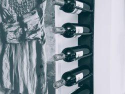 Vinställ vägg 7 flaskor